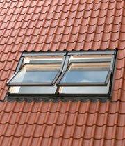 Мансардное окно с открыванием по центральной оси